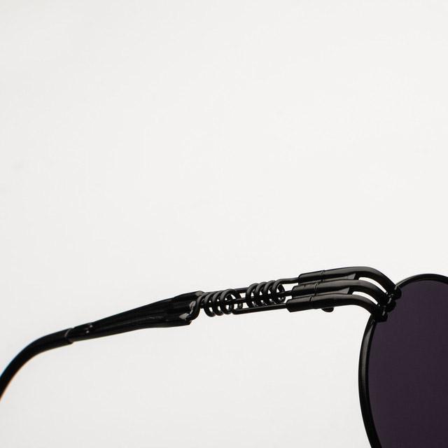 Svarta runda solglasögon