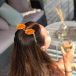 Solglasögon med orange spegelglas och guld båge