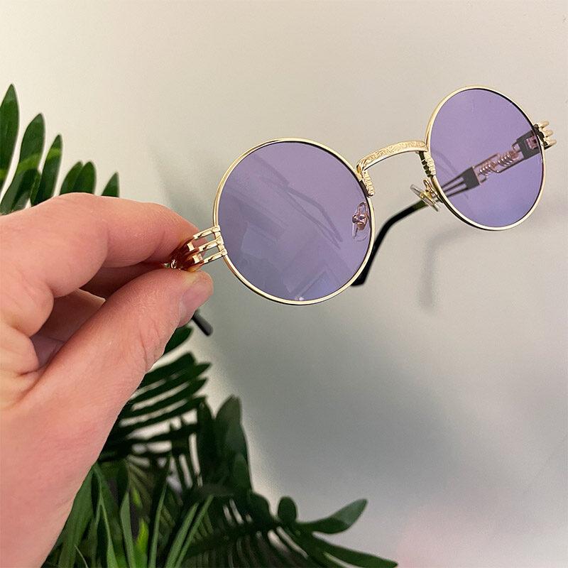 genomskinliga lila solglasögon
